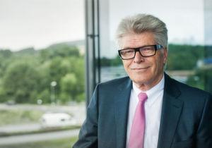 Rittal: Markenzeichen und Anspruch des Inhabers und Familienunternehmers Dr. Friedhelm Loh ist, der Zeit voraus zu sein und sie zu gestalten.
