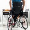 Gasfedern erleichtern Bedienung von Steh-Rollstühlen