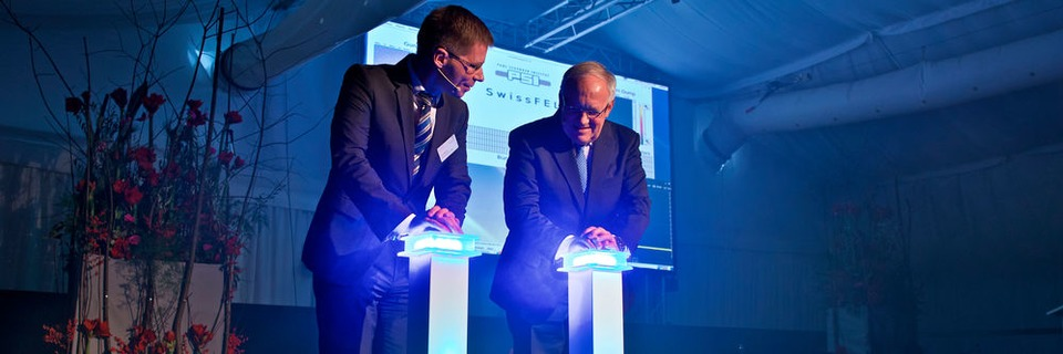 Paul Scherrer Institut PSI weiht Freie-Elektronen-Röntgenlaser SwissFEL ein