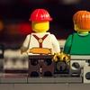 Legomaschine produziert vollautomatisch Papierwürfel