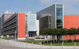 Das HPC-System SuperMUC im Leibniz Supercomputing Centre LRZ in Garching neben München verrichtet seine Arbeit unter Suse Linux.