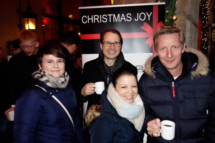 (v. l.) Das Intel Security Team (vorne) Katja Huhle, Sandra Gramlich und Sascha Plathen, mit Alexander