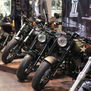 Harley-Davidson-Dealer: It must be love