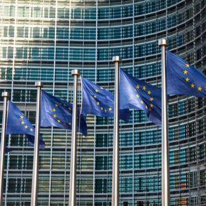 EU-Kommission sieht sich bei WhatsApp-Kauf von Facebook getäuscht