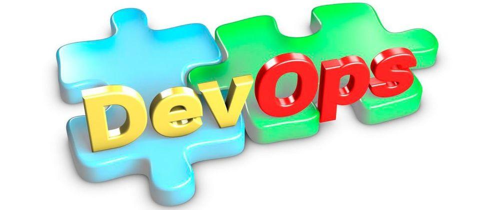 Gemäß der DevOps-Philosophie sollen Softwareentwicklung und Betrieb (Development und Operations) zu einem Unternehmensbereich konsolidiert werden.