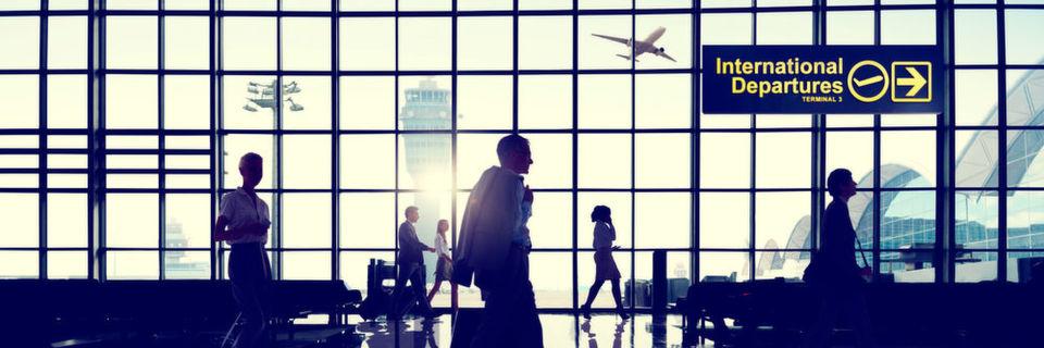 Es mangelt noch immer an Standards in der Luftfahrtindustrie für den Umgang mit den Diskrepanzen bei der Namensdarstellung auf Reisedokumenten und Bordkarten von Passagieren.