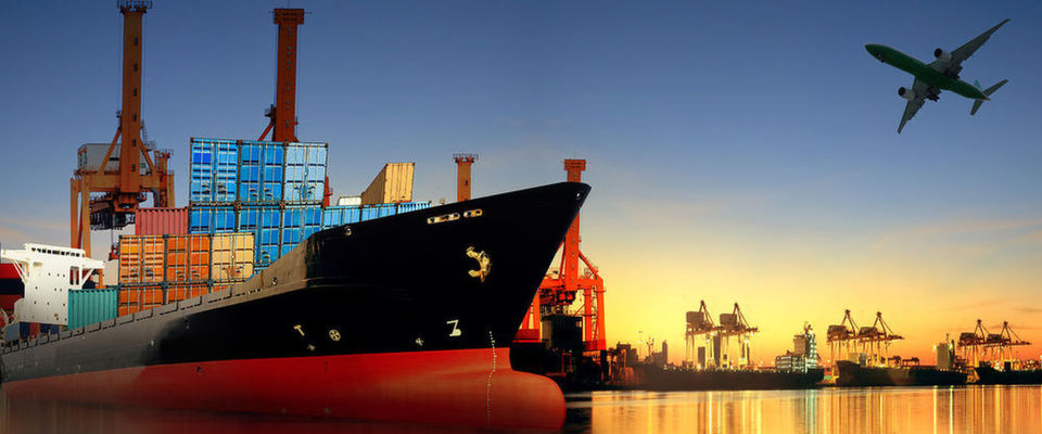 Warum ist ausgerechnet Docker so erfolgreich in der Container-Technik? Der Artikel klärt über die Grundlagen und den Status Quo auf.