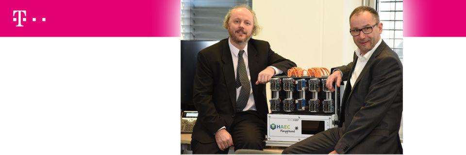 Prof. Frank Fitzek vom 5G Lab Germany (links) und Telekom-CTO Bruno Jacobfeuerborn planen bereits für 2017.