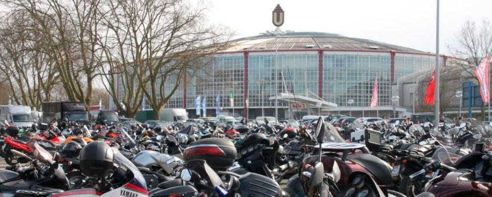 Im Frühjahr 2017 ziehen zahlreiche regionale Motorradmessen Besucher an, wie hier die Motorräder Dortmund.