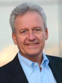 Peter Schreiber ist Inhaber der Vertriebs- und Managementberatung PETER SCHREIBER & PARTNER.