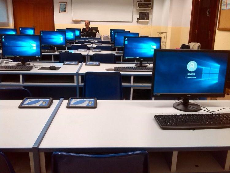 Januar – Jeder zweite Lehrer würde gerne häufiger digitale Medien einsetzen: Die digitale Bildung war ein