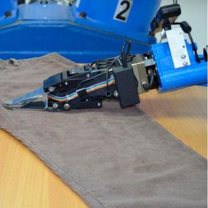 Roboter erlernt den Umgang mit Kleidungsstücken
