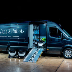 Mercedes-Benz Vans investiert Millionen in Lieferroboter