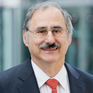 Messtechnik als wichtigstes Standbein: Roland Steffen ist Leiter des Geschäftsbereiches Messtechnik und Mitglied der Geschäftsleitung bei Rohde & Schwarz.