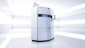 Die Formiga P 110 verarbeiet Kunststoffe. Sie druckt direkt aus digitalen CAD-Daten bis zu einer Bauhöhe von 330 mm.