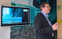 """""""Was wir tun, macht die Bahn wettbewerbsfähiger"""", erklärt Gerhard Kreß, Leiter des Siemens Mobility Datalab in München-Allach."""