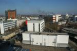 Auf dem Frankfurter Campus, in der Weismüllerstraße, hat sich der Rechenzentrumsbetreiber Interxion ein eigenes Umspannwerk errichten lassen. Die Aufnahme entstand auf dem Dach des elften Frankfurter Rechenzentrums, 'FRA 11', das Interxion derzeit baut.