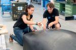 Studenten der TU Muenchen haben einen Prototyp für die SpaceX Competition WARR Hyperloop entwickelt. Im Bild: Sarah Fleischer und Daniel Eiringhaus