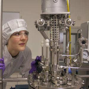 Chemcon feiert 20-jähriges Bestehen und investiert in Freiburg