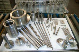 Typische Bauteile für die Reinigung in einer Aduna Reinigungsanlage.