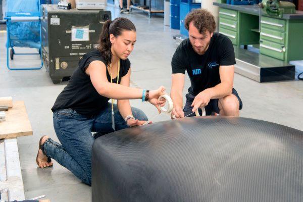 Studenten der TU Muenchen haben einen Prototyp für die SpaceX Competition WARR Hyperloop entwickelt. Im Bild: