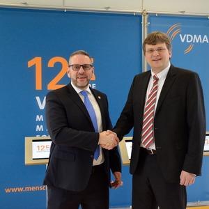 VDMA Robotik und OPC Foundation unterzeichnen Memorandum of Understanding