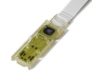 Auch das ist mit Direktumspritzung möglich: Drucksensor auf einer Keramikleiterplatte mit Kabelzugentlastung.