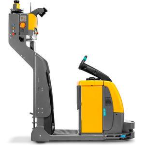 EZS 350a ist ein automatisierter Schlepper, der sich problemlos in bestehende Fabrikstrukturen integrieren lässt. Standardisierte Transportprozesse in der Produktionsversorgung sind sein Metier.