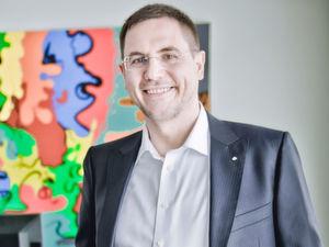 """""""Um die Qualiät der Einträge in Produkt und Materialdatenbanken zu verbessern, nutzen wir Algorithmen, die Informationen aus unstrukturierten Beschreibungstexten extrahieren"""", berichtet Carsten Kraus, CEO des Datenqualitätsspezialisten Omikron."""