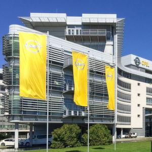 Opel wieder tiefer in den roten Zahlen