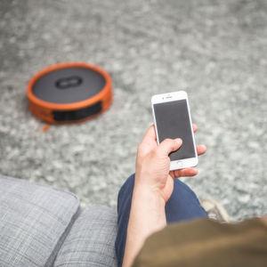 Roboter-Steuerung mit künstlich intelligenten Fähigkeiten