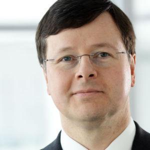 Dr. Ludwin Monz, Vorstandsvorsitzender der Carl Zeiss Meditec AG, ist mit dem Jahresauftakt zufrieden. Der Umsatz stieg im ersten Quartal 2016/17 auf 280 Mio. Euro.