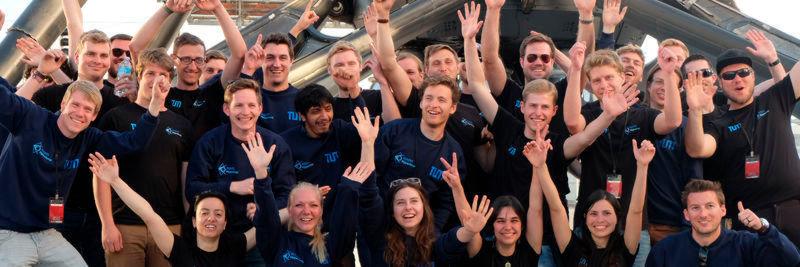Das siegreiche WARR Hyperloop Team.