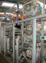 Je nach Anforderung werden Kammer-Reinigungssysteme mit mehreren Medientanks, beispielsweise für eine Vor- und Feinreinigung sowie Konservierung, ausgestattet.