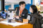 Vielfältiges Ausstellungsspektrum: An keinem anderen Ort kann man früher Entwicklungen beobachten und lebendiger Geschäftskontakte pflegen als auf der electronica.