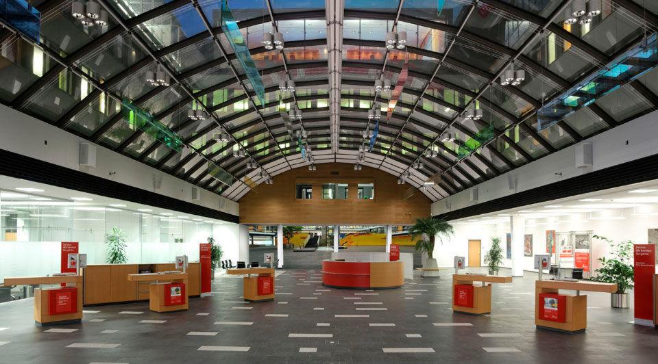 Schalterhalle der Stadtsparkasse Karlsruhe