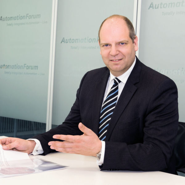 """Axel Lorenz, Head of Process Automation Systems, Siemens: """"As a complete supplier of host systems and field"""