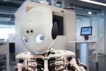 EOS unterstützt das Roboy Forschungsprojekt, das den menschlichen Bewegungsapparat nachbildet, um die Robotertechnik voranzutreiben.