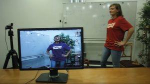 Augmented Reality-Software kann in Echtzeit Farben und Reflexionen in einer Videoszene verändern.
