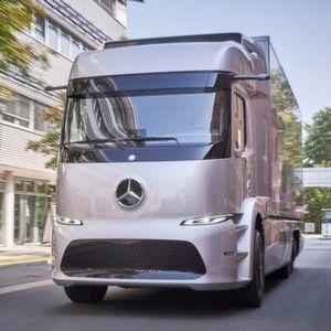 Daimlers Urban eTruck mit E-Antrieb startet 2017