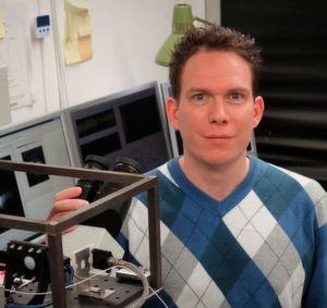Nanokapillare injiziert Farbstoff in lebende Zelle