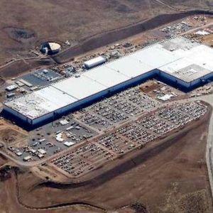 Tesla plant bis zu drei neue Gigafactories