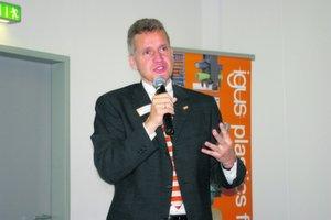 """Frank Blase, Geschäftsführer der Igus GmbH: """"Wir haben in den vergangenen vier Jahren unseren Umsatz verdoppelt."""" Bild: Kroh"""