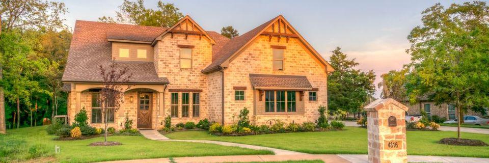 Das Zeitmanagement im Verkauf kann wie ein Haus aufgebaut werden. Das Prinzip des Zeitmanagementhauses bietet eine klare Struktur, um als Verkäufer seine Zeit bestmöglich zu nutzen.
