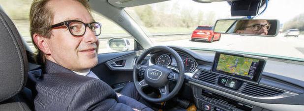 Rechtsexperten kritisieren Dobrindts Roboterauto-Gesetz
