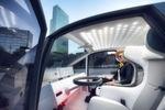 Das Interieur lässt sich flexibel an die jeweiligen Anforderungen anpassen. Gewählt werden kann zwischen einem Standard-, enem Entspannungs- und einem Office-Modus.