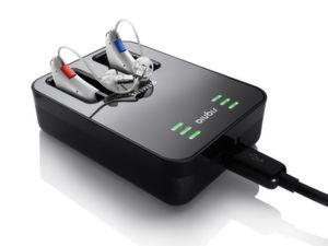 Signia Cellion sind die ersten induktiv aufladbaren Hörgeräte mit Lithium-Ionen Power-Zelle. Sie können in einer innovativen Ladeschale mit Standard-Micro-USB Anschluss geladen werden.