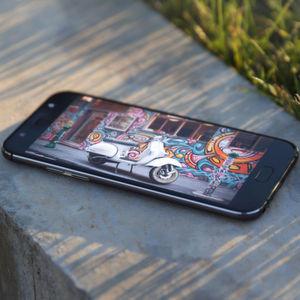 Wiko stellt Smartphones, Smartbands und Earbuds vor