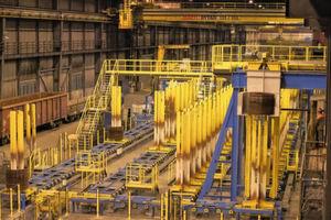 Mit der Investition in ein neues, vollautomatisiertes Ringhandlingsystem im Walzwerk Emmenbrücke geht Swiss Steel einen entscheidenden Schritt in Richtung Industrie 4.0 in der Stahlproduktion.