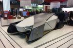 Nach der CES in Las Vegas entdecken die Automobilhersteller auch den Mobile World Congress in Barcelona für sich – IT-Unternehmen sollen ebenfalls dabei sein. In einem scheibenlosen Konzept-Fahrzeug von Vodafone zum Beispiel, sehen die Insassen die Welt nur noch über Bildschirme.